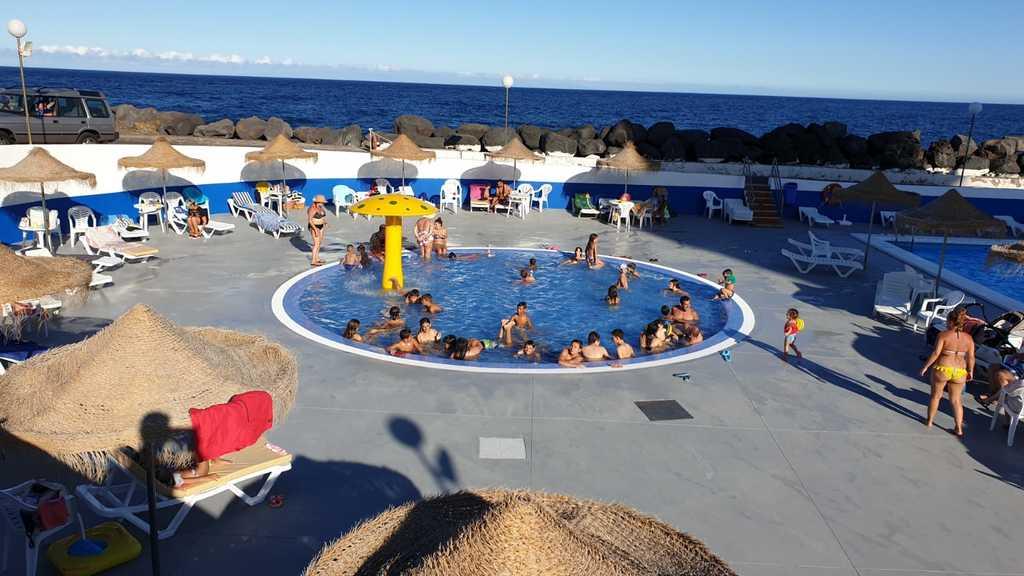 Disfrutando de nuestra piscina infantil